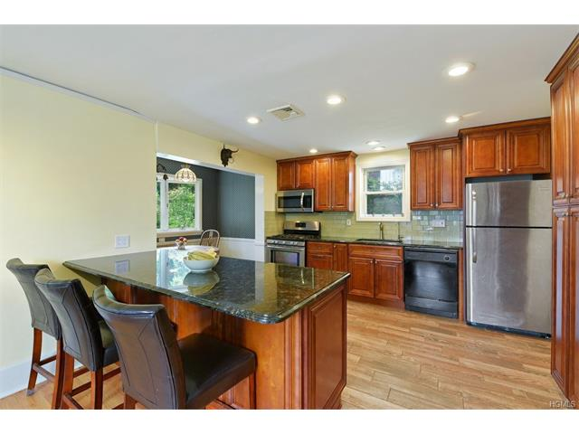 138 Chatterton Parkway, White Plains, NY 10606