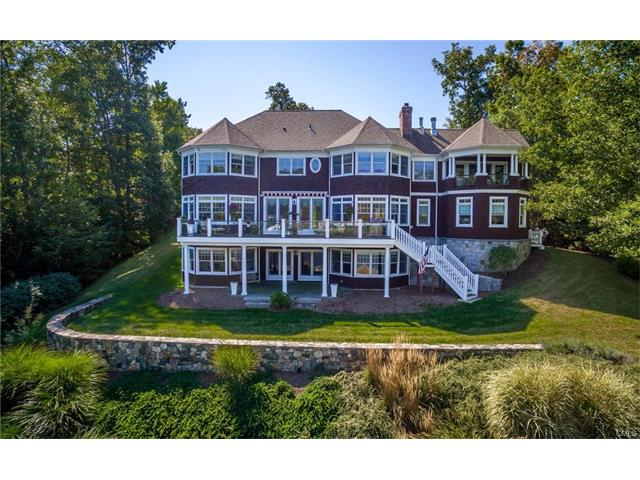37 Sail Harbour Drive, New Fairfield, CT 06812