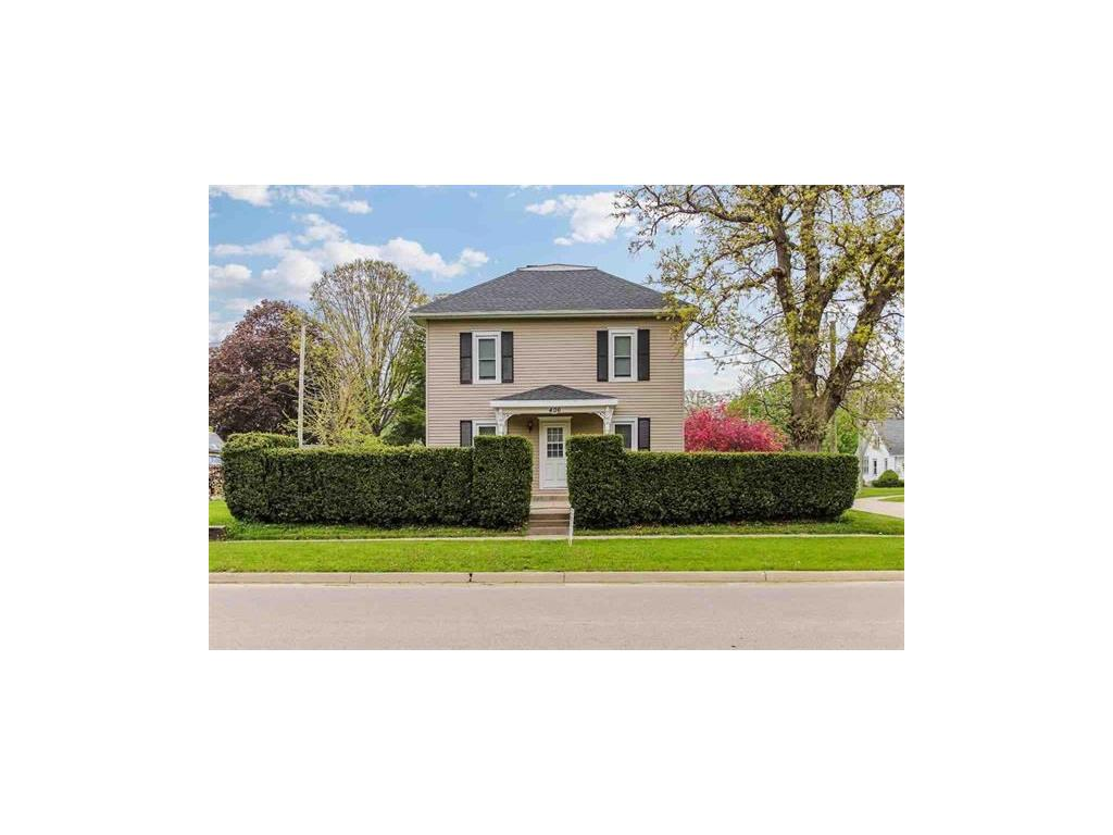 406 6th Avenue SW, Independence, IA 50644
