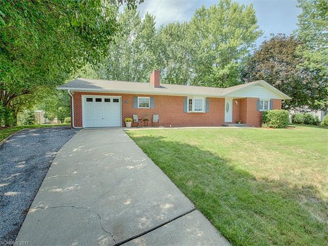 62 Pinewood Lane, Clyde, NC 28721