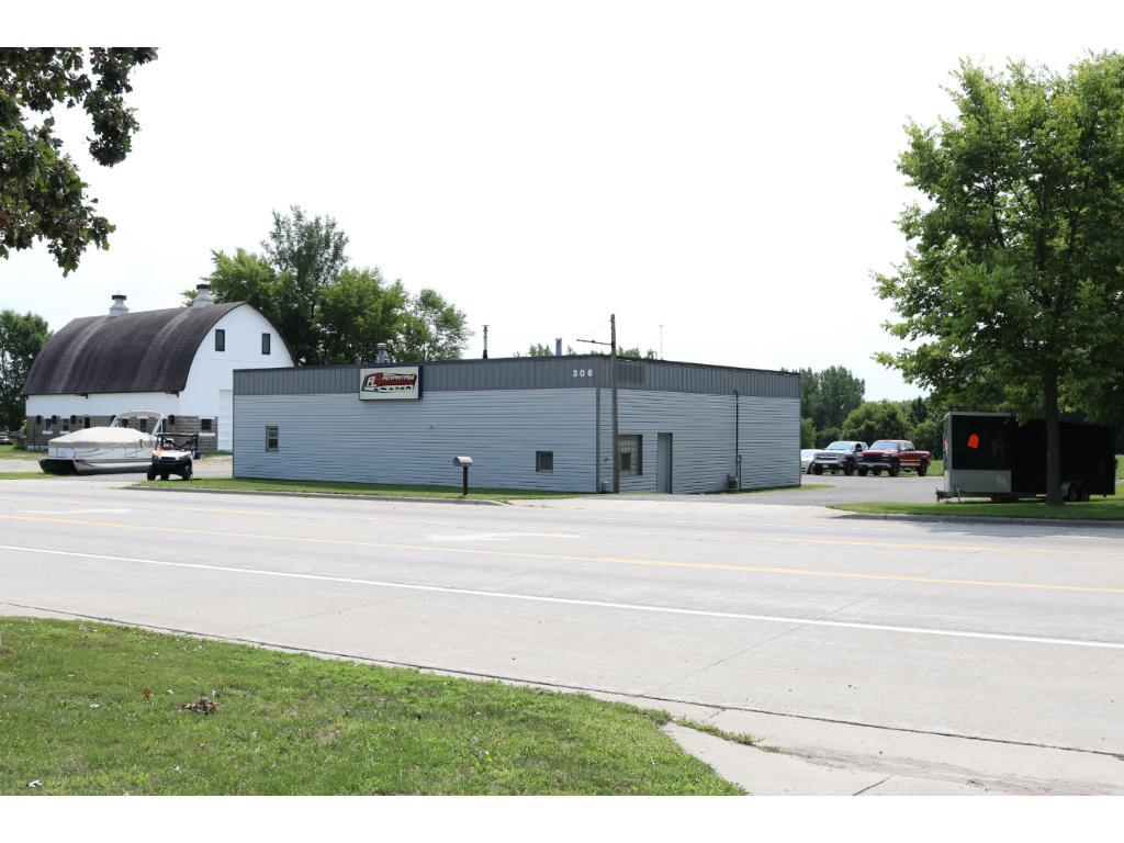 306 Highway 7 E, Hutchinson, MN 55350