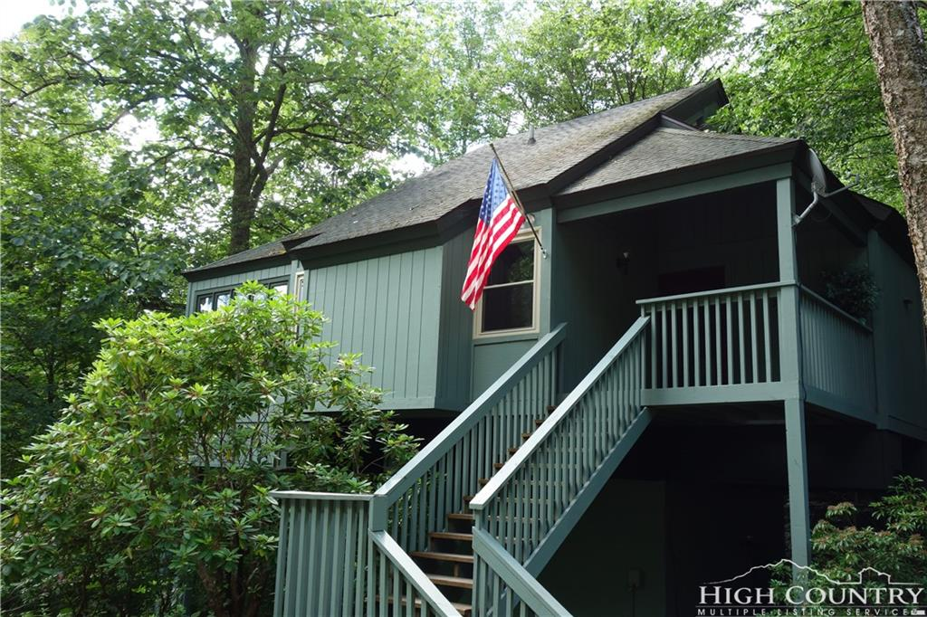 123 Creekside Court, Sugar Mountain, NC 28604