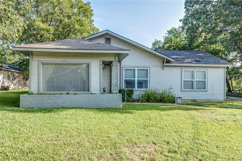 320 W Russell Street, Weatherford, TX 76086