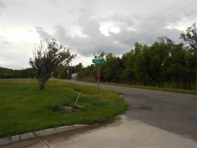 FRAN Lane, LAFITTE, LA 70067