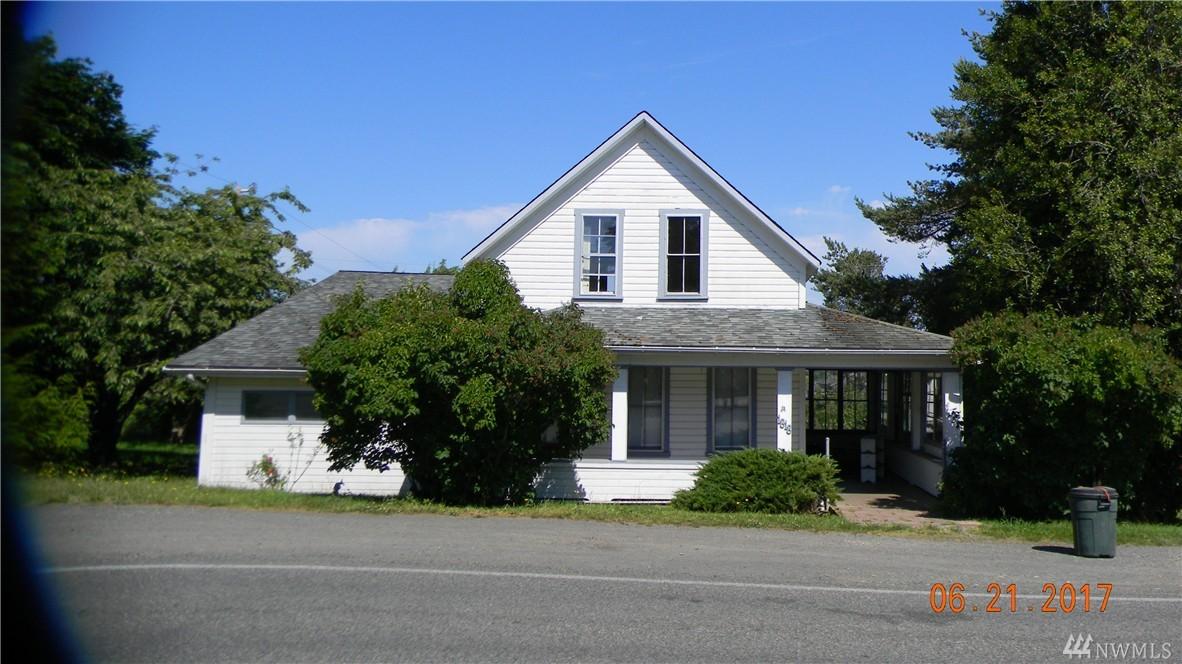 1818 Landes St, Port Townsend, WA 98368