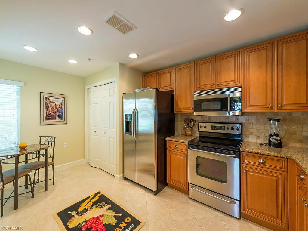 3025 Driftwood WAY 3207, NAPLES, FL 34109