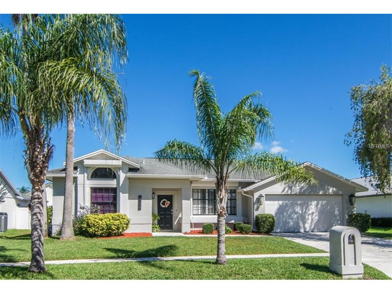 8704 MIDDLE CROSS PLACE, TAMPA, FL 33635