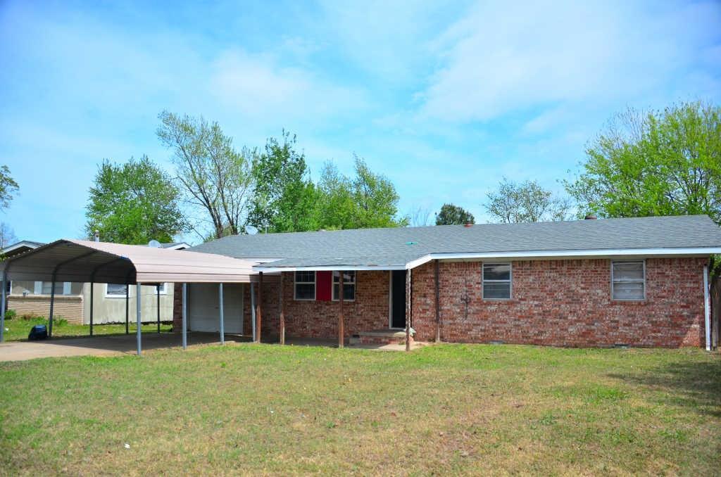 943 Cherry ST, Siloam Springs, AR 72761