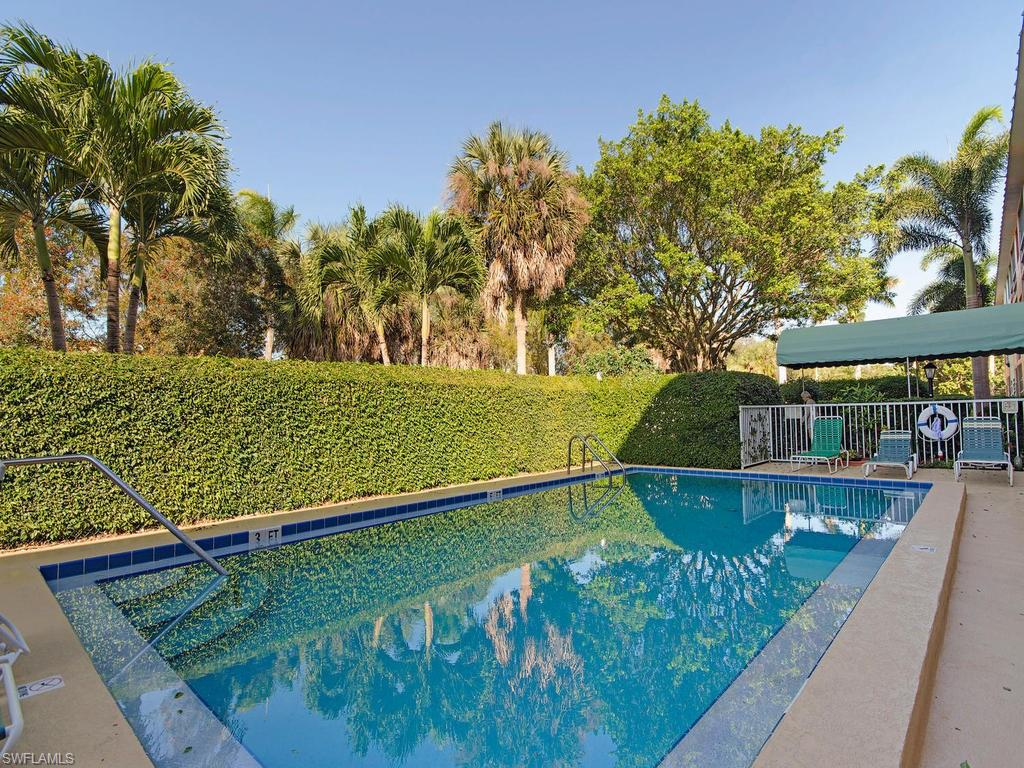 72 7th ST S 109, NAPLES, FL 34102