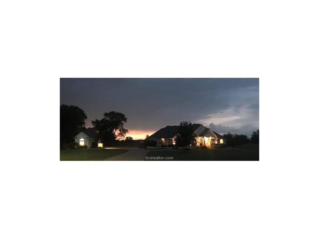 9685 Shadow Creek Trail, Bryan, TX 77859