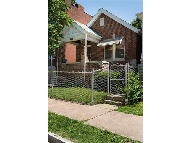 3440 Iowa Avenue, St Louis, MO 63118
