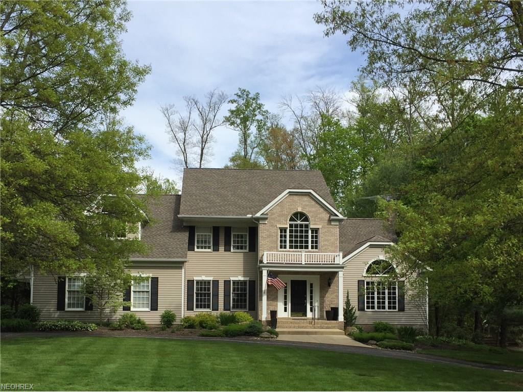 17371 Red Fox Trl, Chagrin Falls, OH 44023