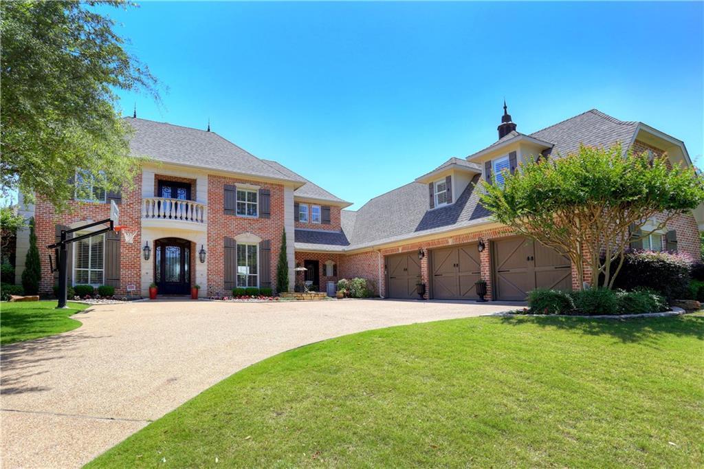 916 Fairway View Drive, Mansfield, TX 76063