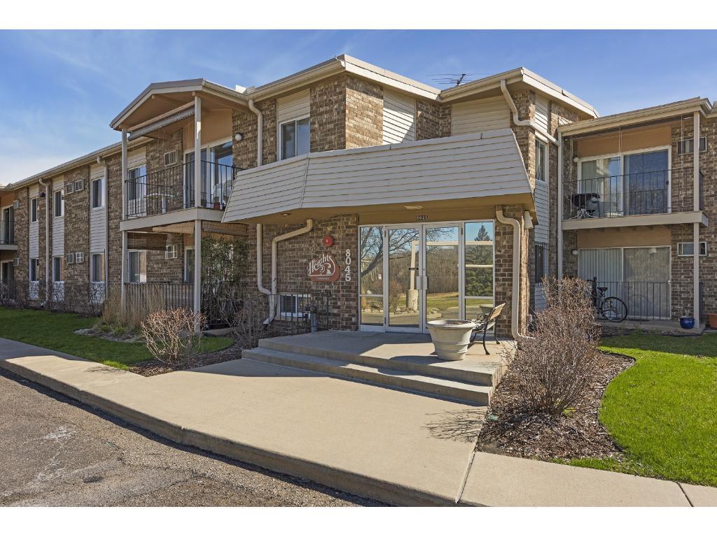 8045 Xerxes Avenue S 211, Bloomington, MN 55431