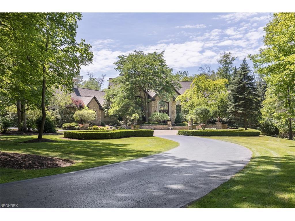 8725 Sanctuary Dr, Kirtland Hills, OH 44060
