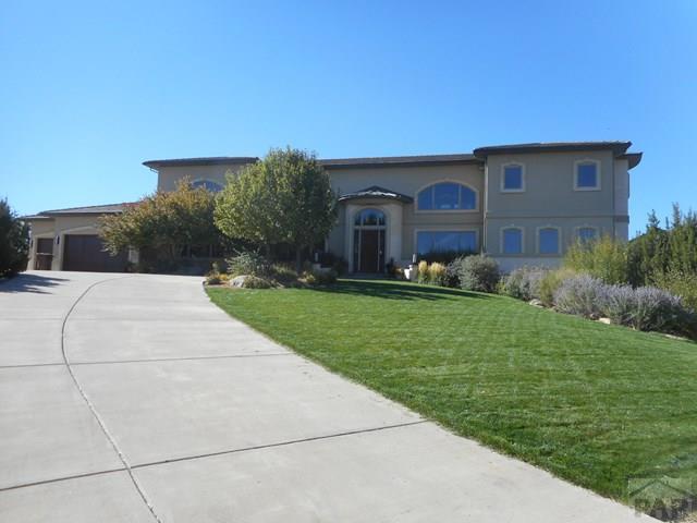 184 E Saddlewood Dr, Pueblo West, CO 81007