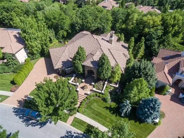3204 W 139TH Street, Leawood, KS 66224