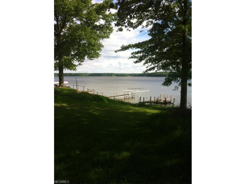 Mahoning Ave, Lake Milton, OH 44429