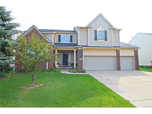 5040 WHITE TAIL CRT, Commerce Twp, MI 48382