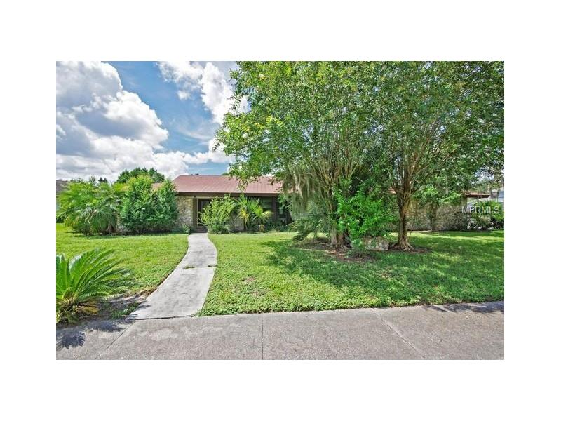 8936 CRICHTON WOOD COURT, ORLANDO, FL 32819