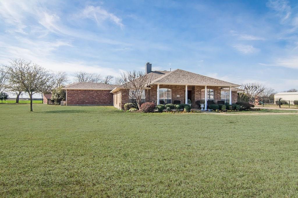 335 Meadow View Drive, Lavon, TX 75166