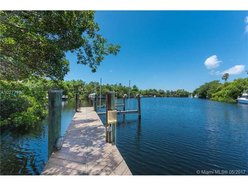 208 COSTANERA RD, Coral Gables, FL 33143