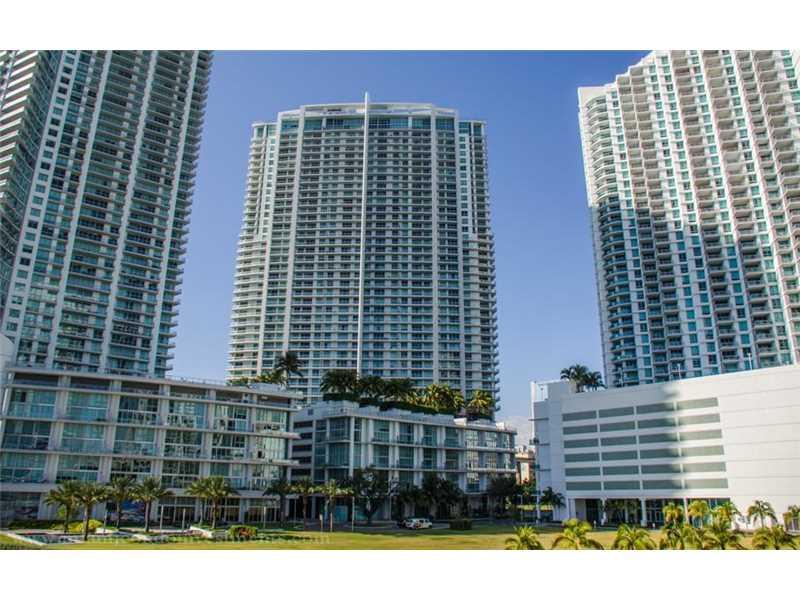 90 SW 3rd St 2704, Miami, FL 33130