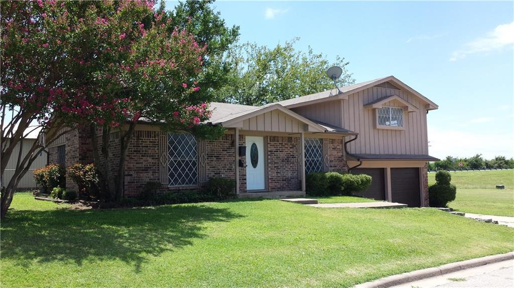 1303 Walters Drive, Granbury, TX 76048