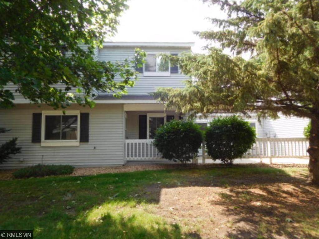 2515 Wimbledon Place, Woodbury, MN 55125