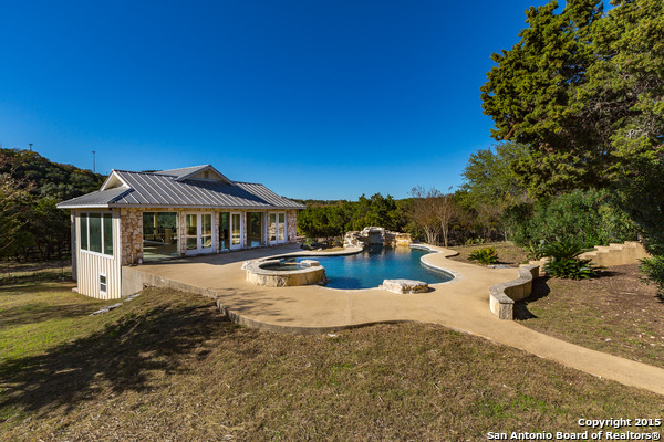 9895 Tower View Rd, Helotes, TX 78023