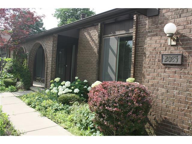 2085 BURGUNDY Street, West Bloomfield Twp, MI 48323