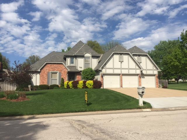 14713 S Village Drive, Olathe, KS 66062