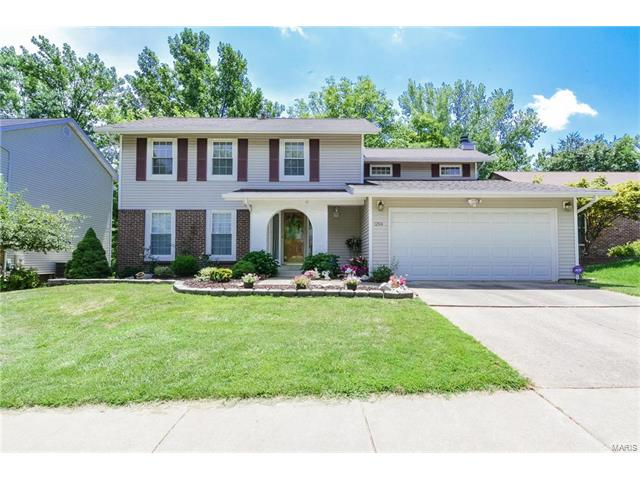 12114 Foxpoint Drive, Maryland Heights, MO 63043