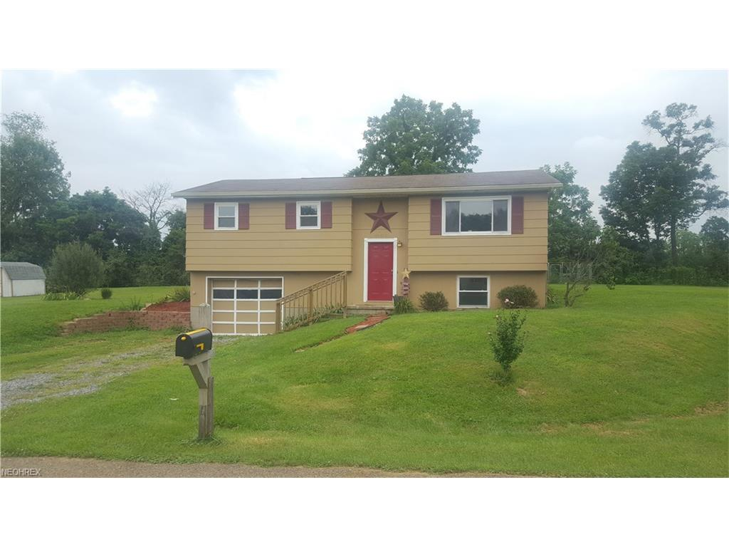62030 Pikeview Dr, Cambridge, OH 43725