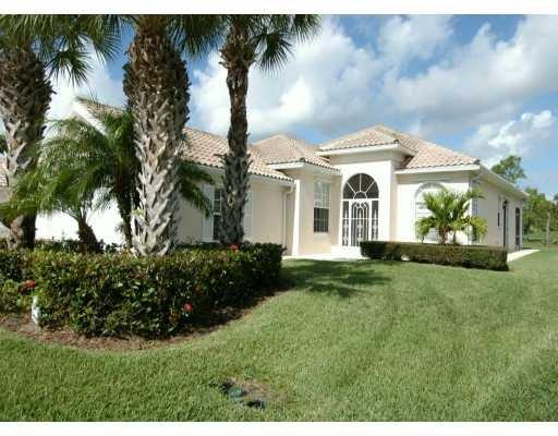 8496 SE Palm Hammock Lane, Hobe Sound, FL 33455