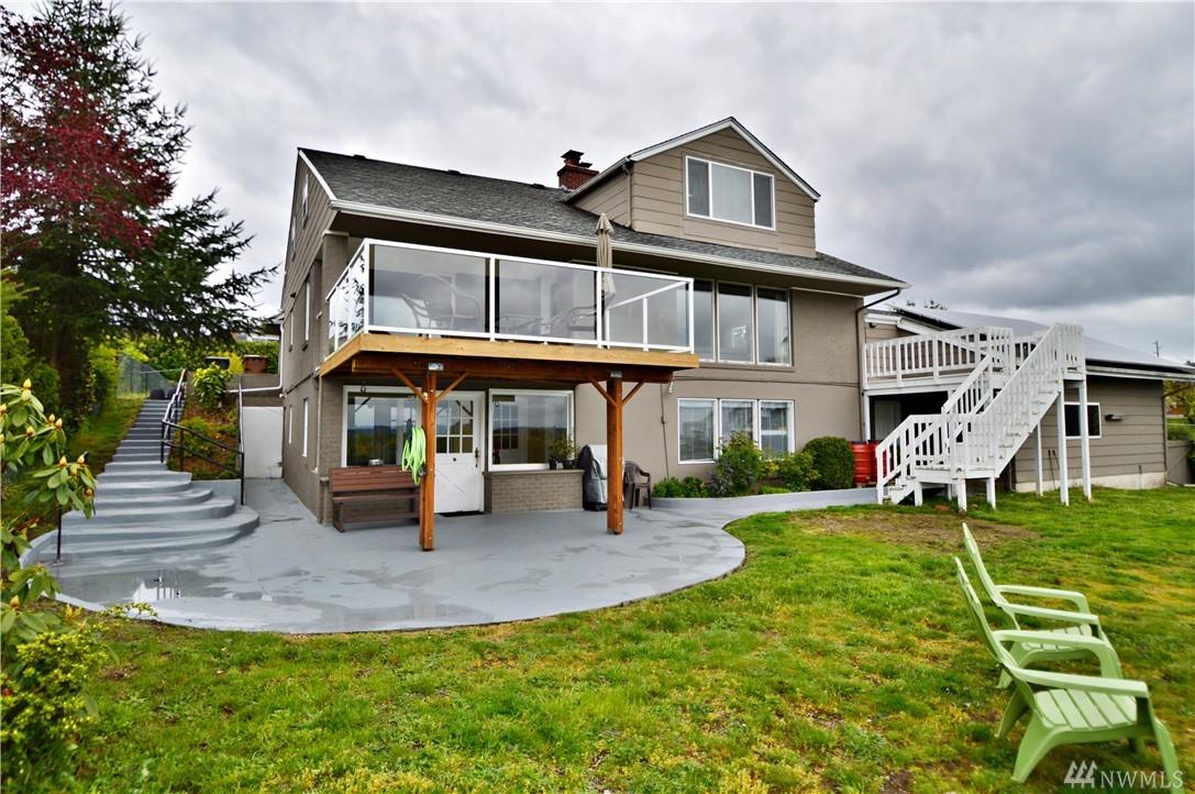 1270 S Fairview Dr, Tacoma, WA 98465
