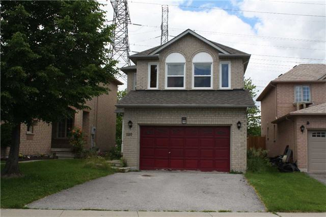 1110 Gossamer Dr, Pickering, ON L1X 2T7