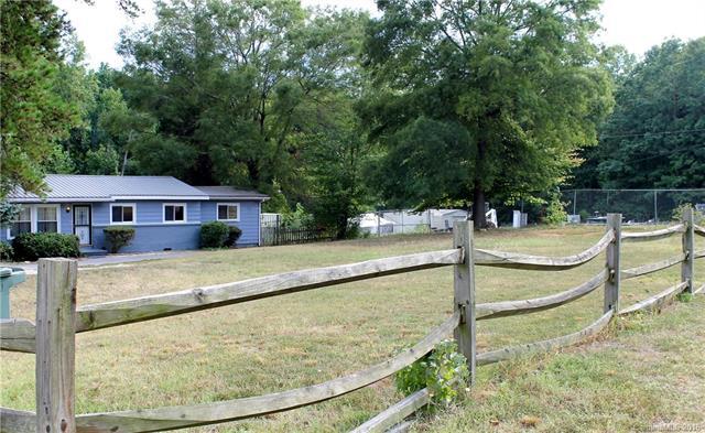 694 Oakridge Farm Highway, Mooresville, NC 28115