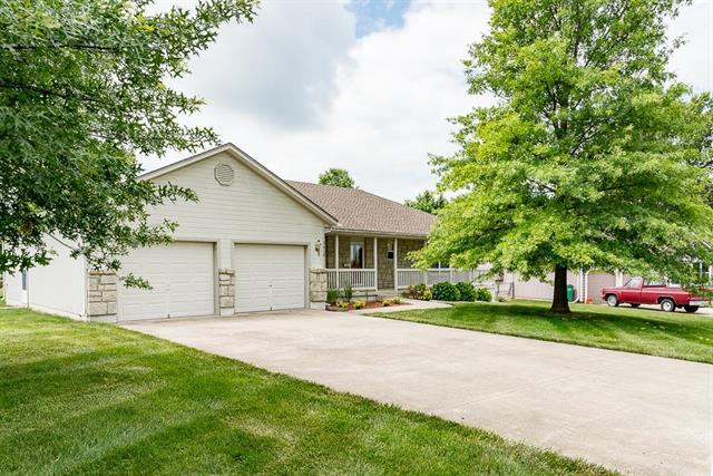 3018 Younger Drive, Harrisonville, MO 64701