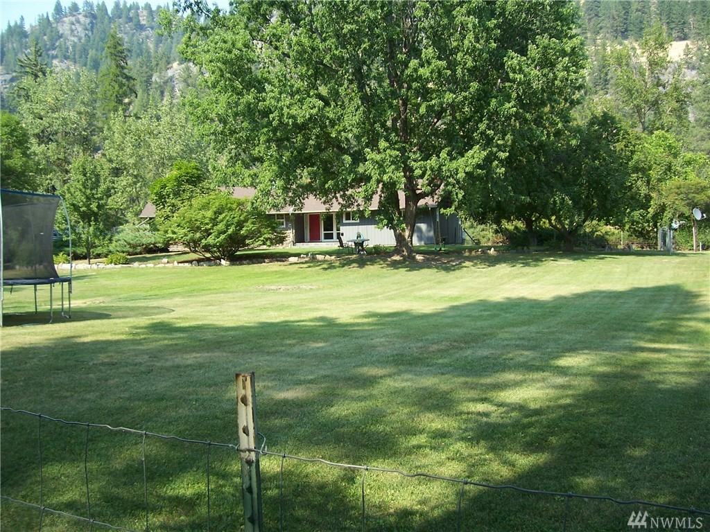 592 Kettle River Rd, Curlew, WA 99118