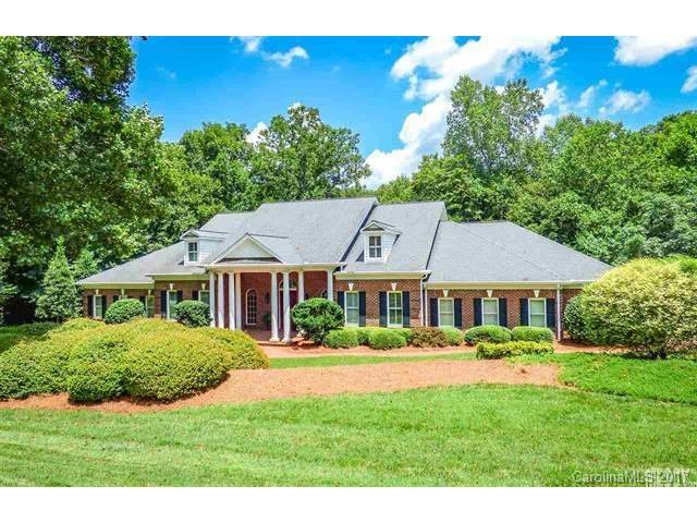 4042 4TH ST Lane NW, Hickory, NC 28601
