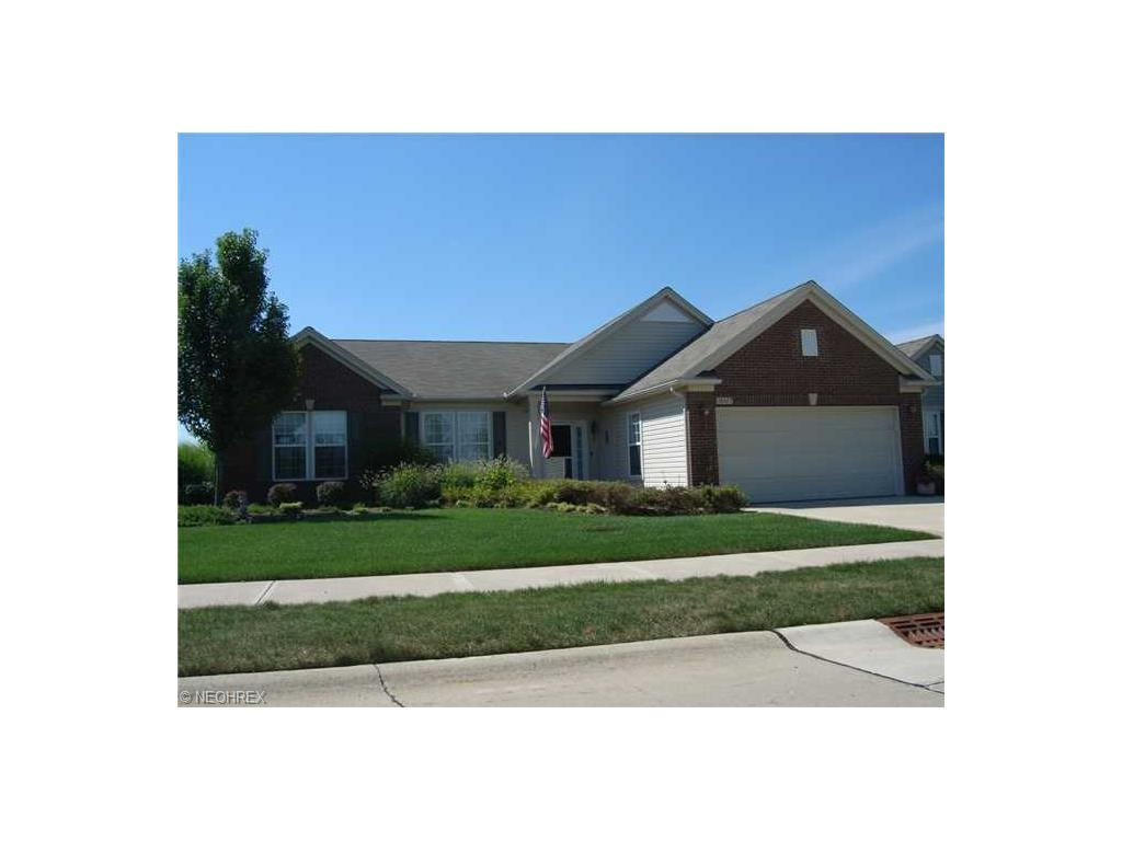 38427 Kingsbury Dr, North Ridgeville, OH 44039