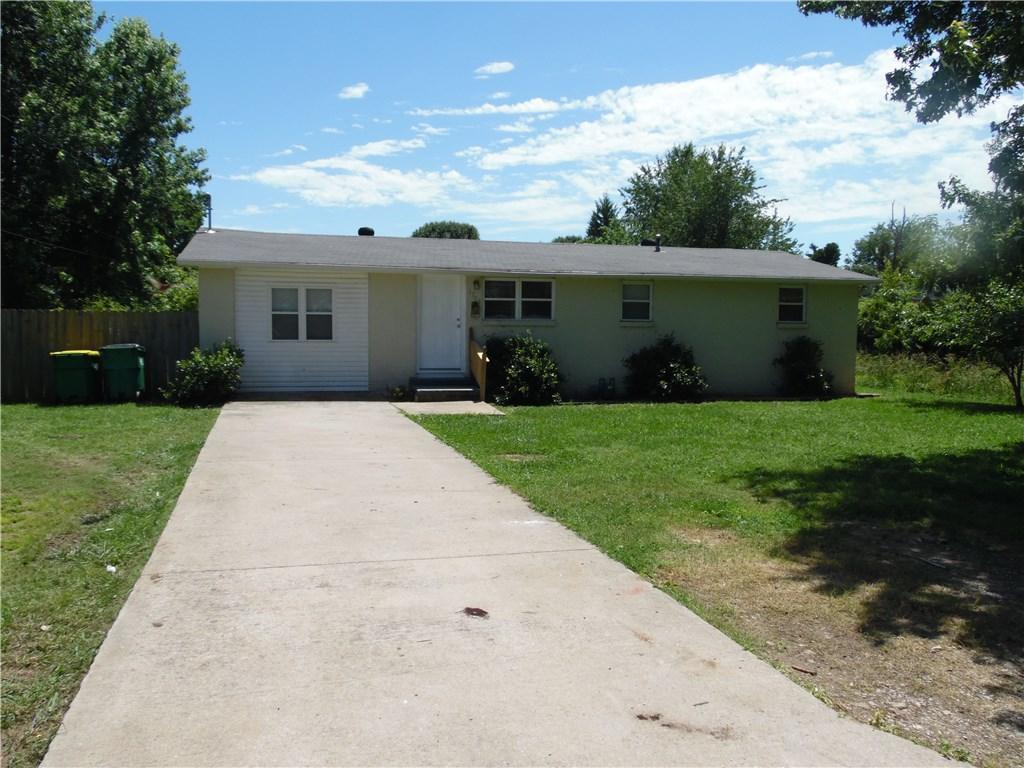 1703 W Steele AVE, Springdale, AR 72762