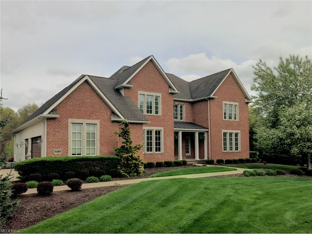7197 Colonial Hills Dr, Wadsworth, OH 44281