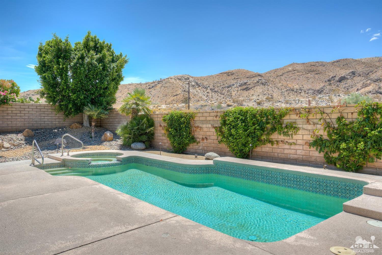 130 Vista Paseo, Palm Desert, CA 92260
