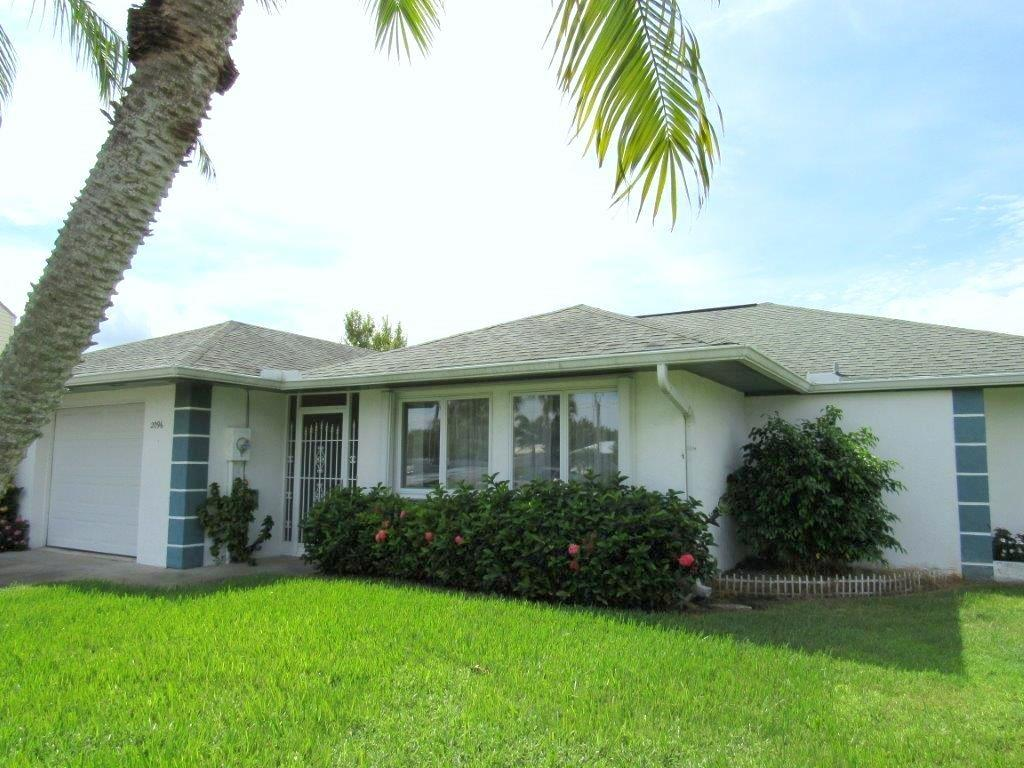 2096 SW Gull Harbor Lane, Palm City, FL 34990