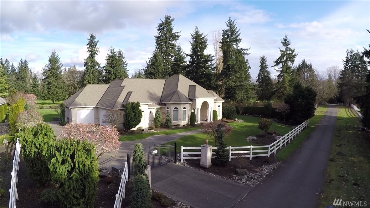 128 Country Club Cir SW, Lakewood, WA 98498
