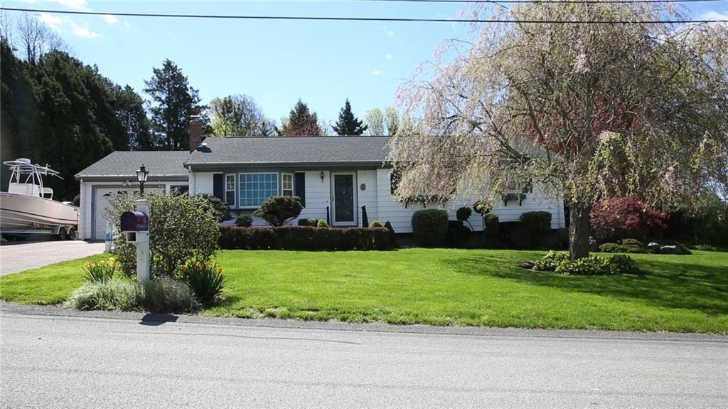 15 Longmeadow AV, Middletown, RI 02842