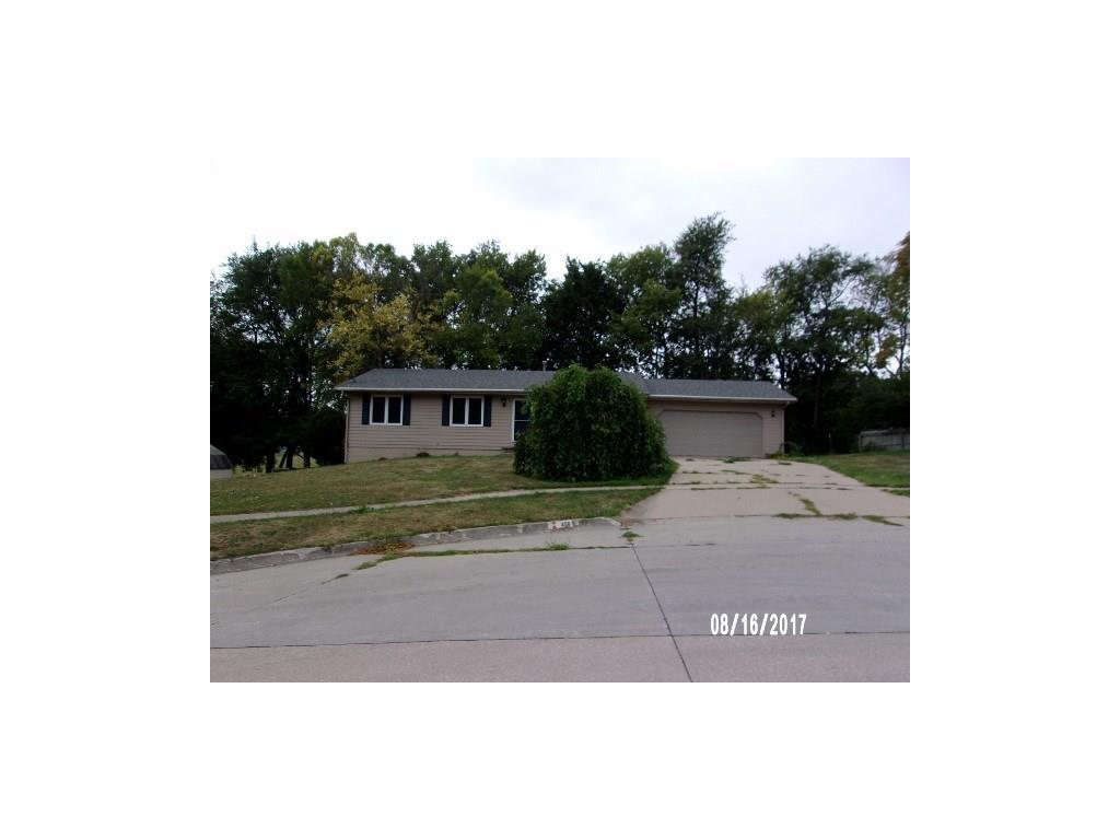 450 Parkwood Boulevard, Pleasant Hill, IA 50327
