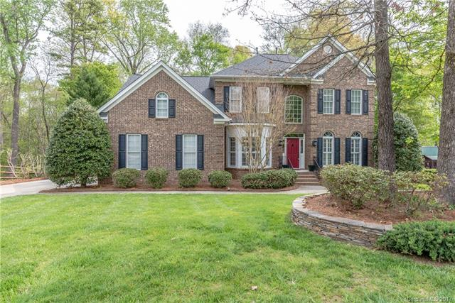 2027 Brook View Court, Matthews, NC 28104